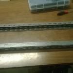 La base del mio filament extruder: è fatta con dei montati per scaffalature. Idea di mio padre, dato che così posso anche adoperare i fori per fissarci sopra il resto delle struttura