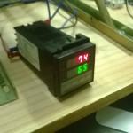 PID per controllare la temperatura ed accendere la resistenza quando serve. Funzionamento 220V