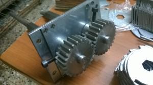 Fissaggio degli ingranaggi di movimentazione per facilitare il montaggio