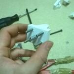Passante cinghia h-bot con bullone centrale che sarà usato come tirante