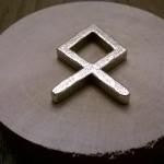 La runa stampata in acciaio :)