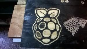 Logo raspberry più grande :D E venuto discretamente bene